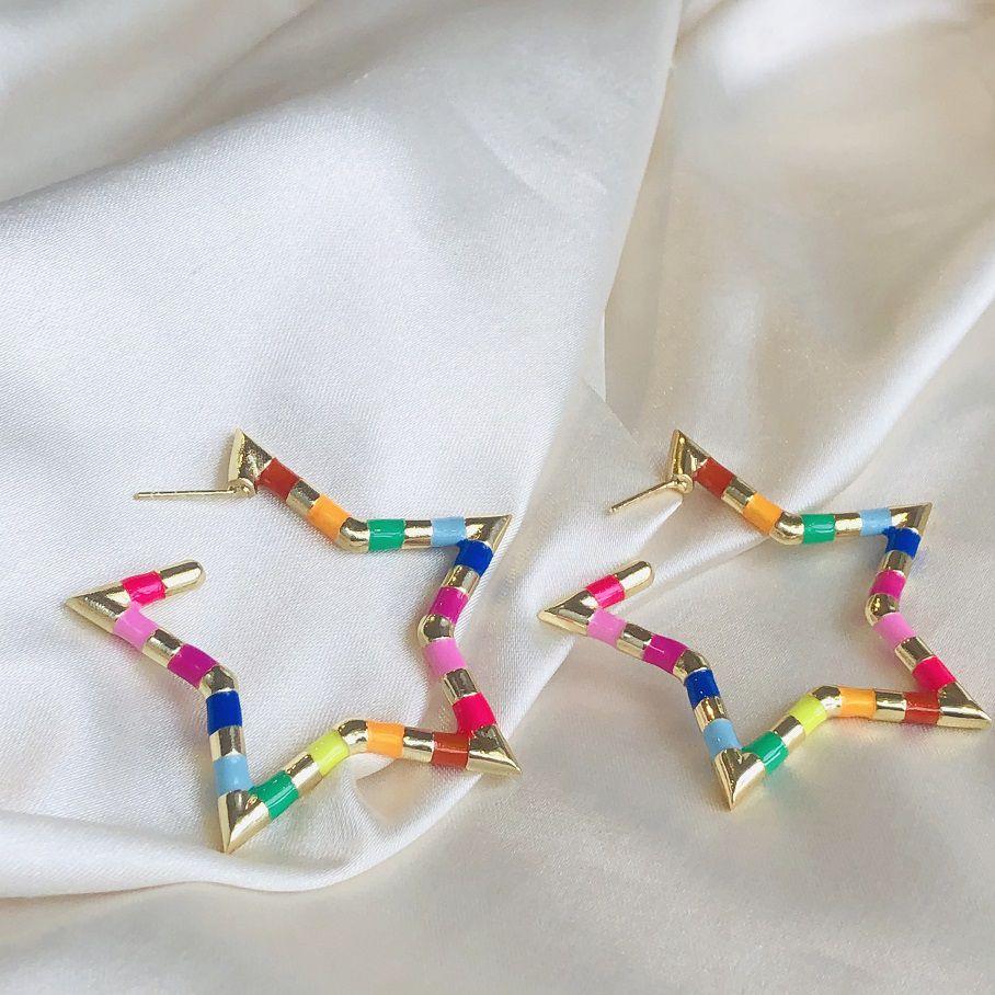 Argola Estrela Resina Colorida Banhada em Ouro 18k