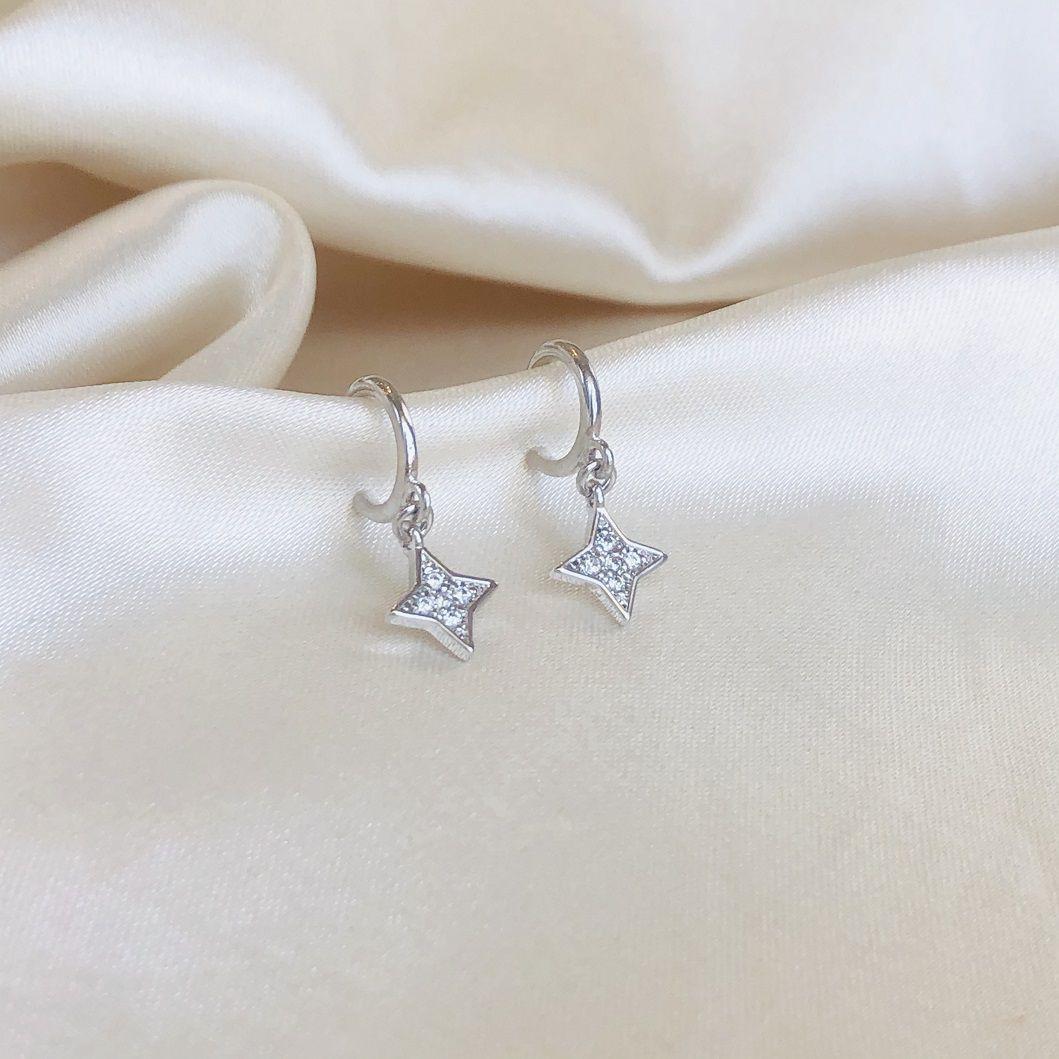 Argolinha Abundância Estrela Cravejada Banhada em Ródio Branco