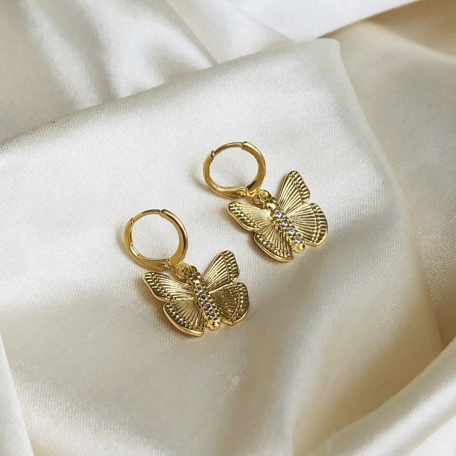 Argolinha com Pingente de Borboleta G Banhada em Ouro 18k