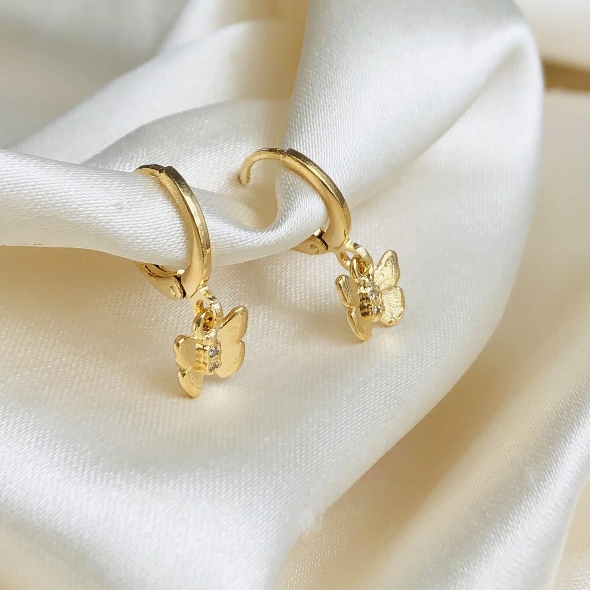 Argolinha com Pingente de Borboleta P Banhada em Ouro 18k