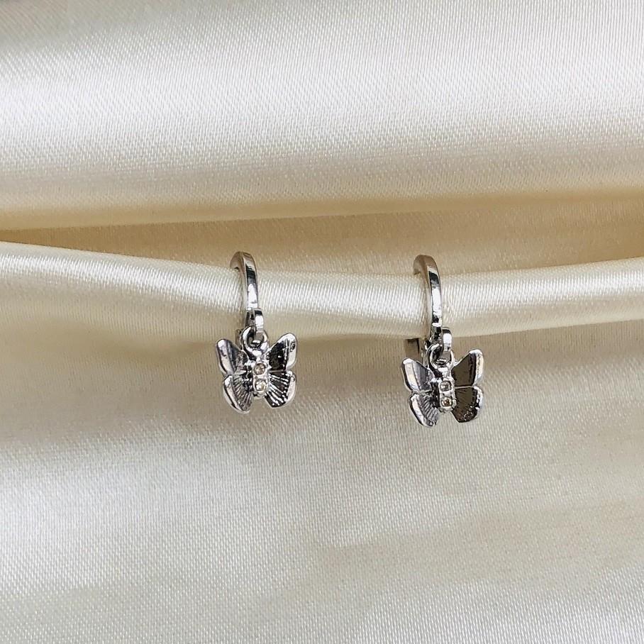 Argolinha com Pingente de Borboleta P Banhada em Ródio Branco