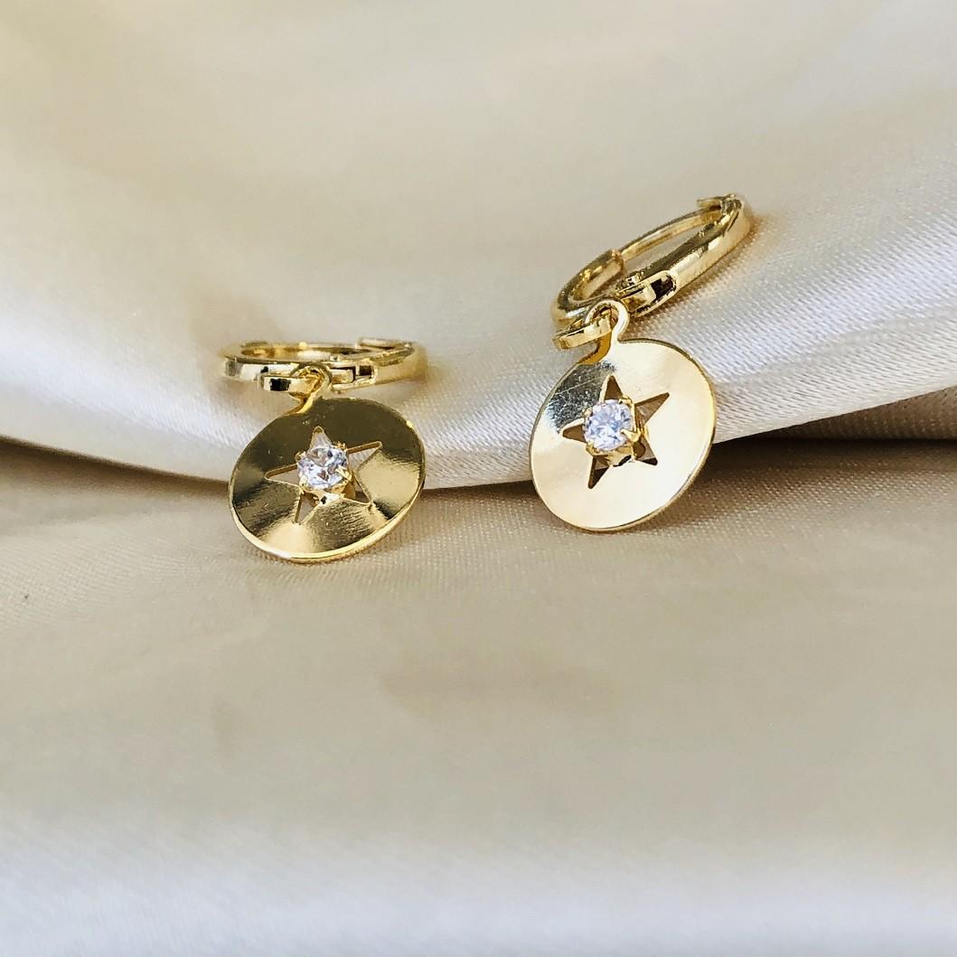 Argolinha Medalha com Estrela e Zircônias Banhada em Ouro 18k