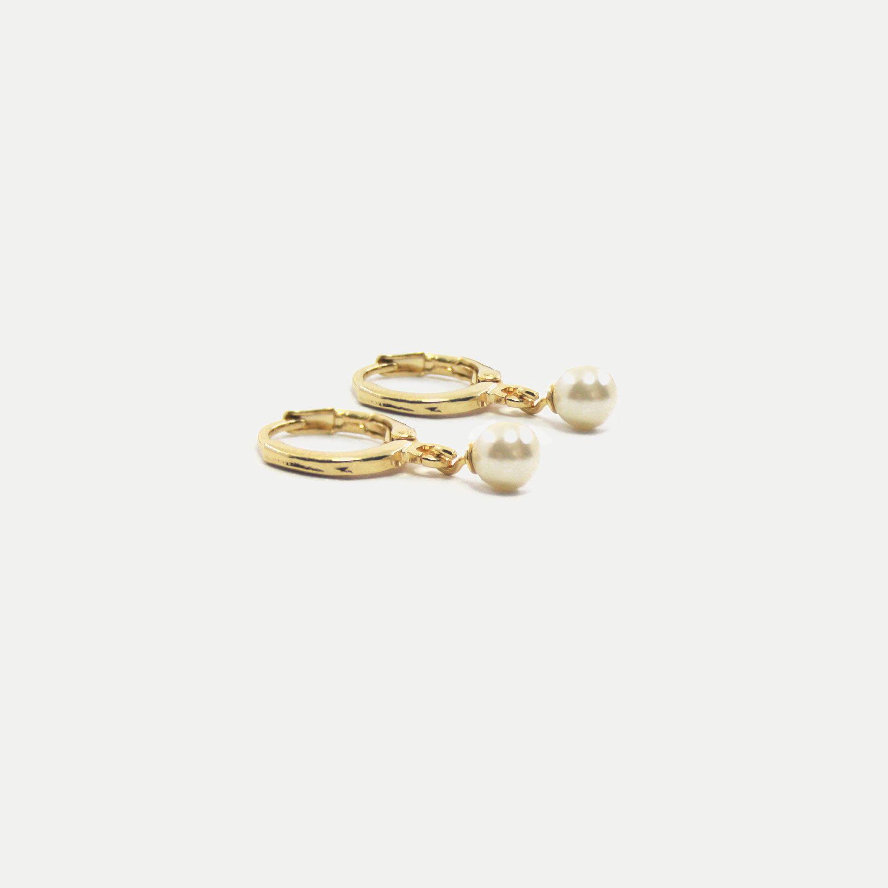 Argolinha com Pingente de Pérola Banhada em Ouro 18k