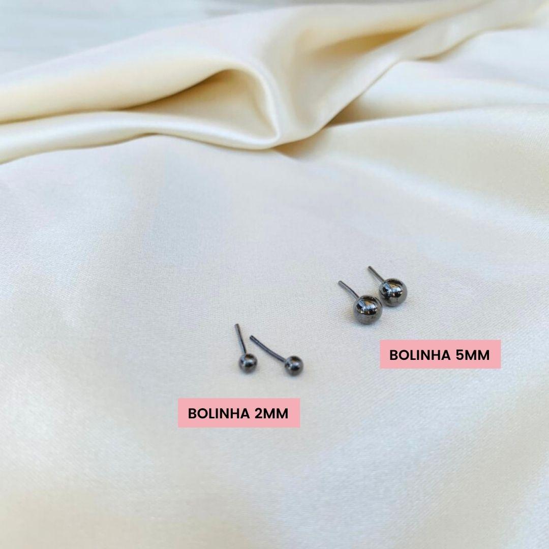 Brinco Bolinha Metalizada Lisa 2mm Banhada em Ródio Negro
