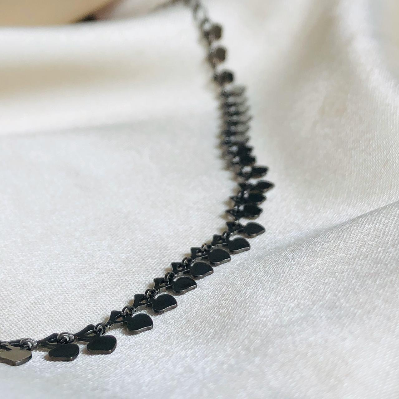 Choker Metalizada formato Corações Banhada em Ródio Negro