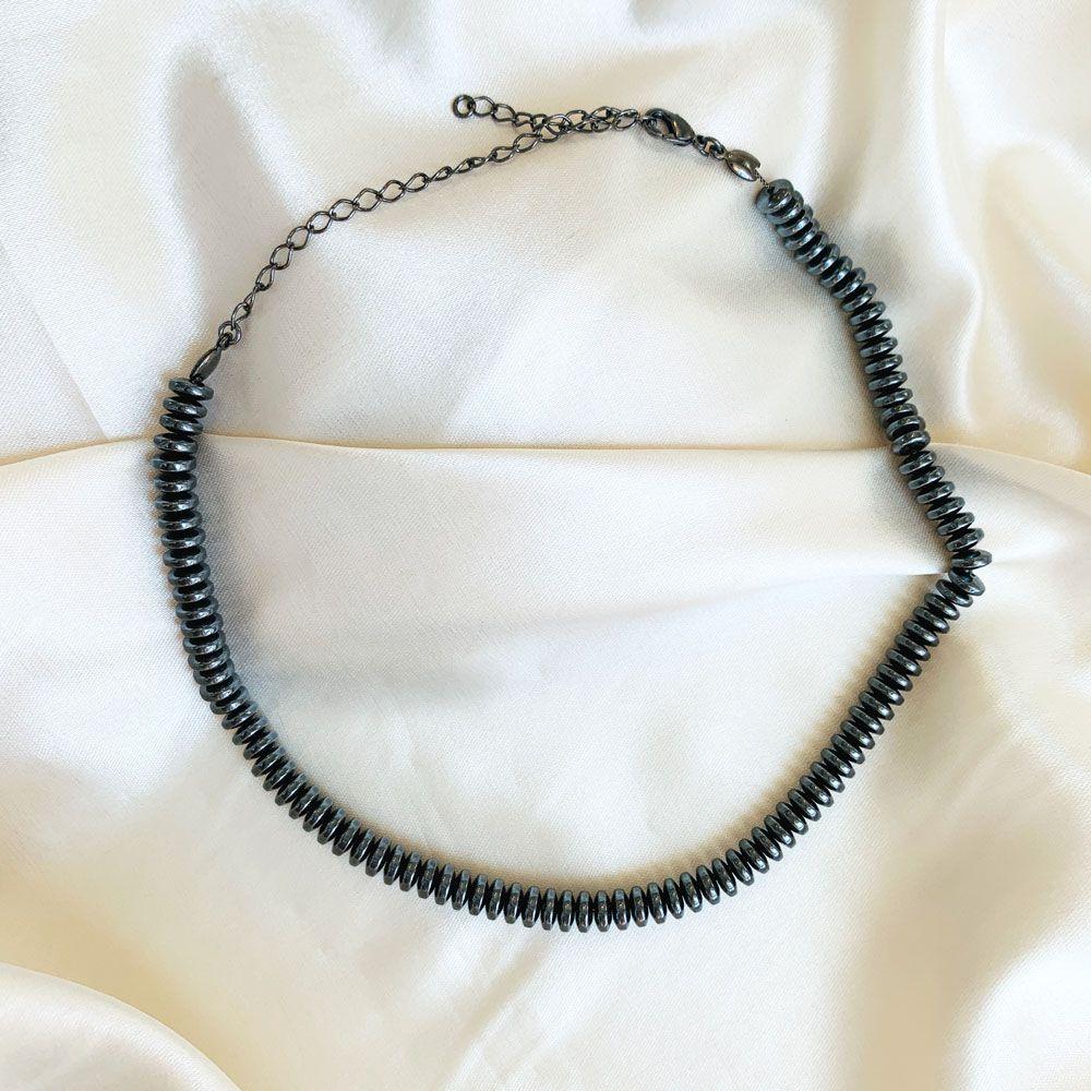 Choker Pecinhas Metalizadas Banhada em Ródio Negro