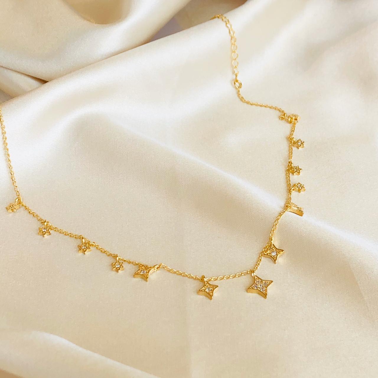 Colar Abundância Estrelas Cravejadas Banhado em Ouro 18k