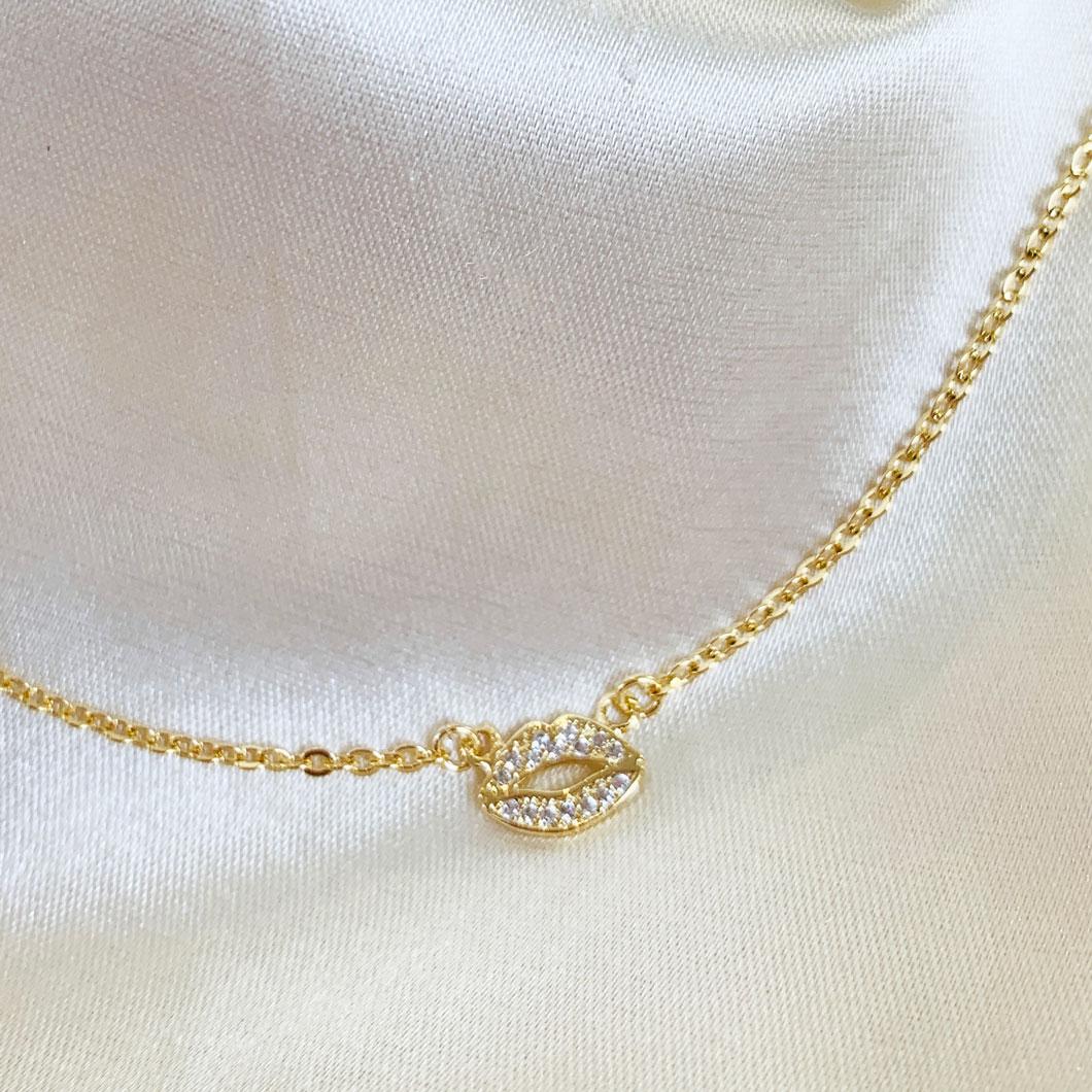 Colar Boquinha Cravejada Banhado em Ouro 18k