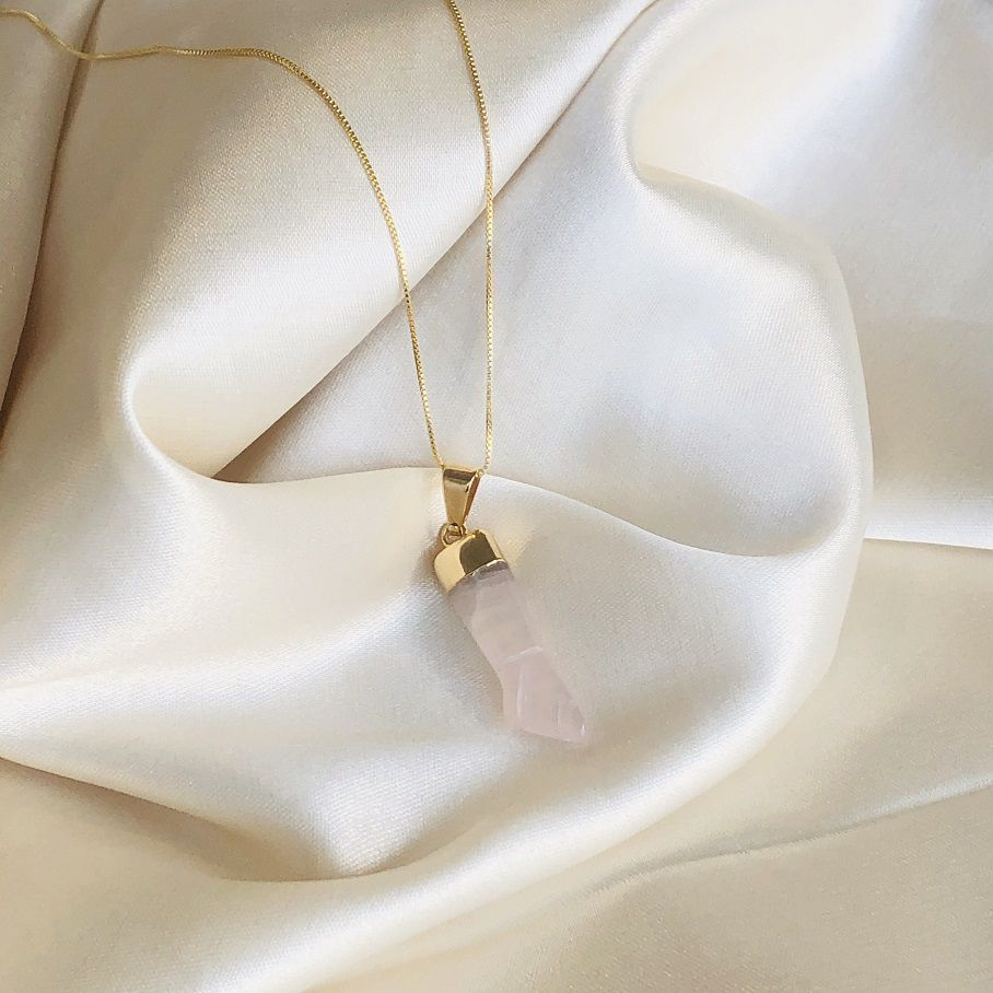 Colar de Figas em Quartzo Rosa Banhado em Ouro 18k
