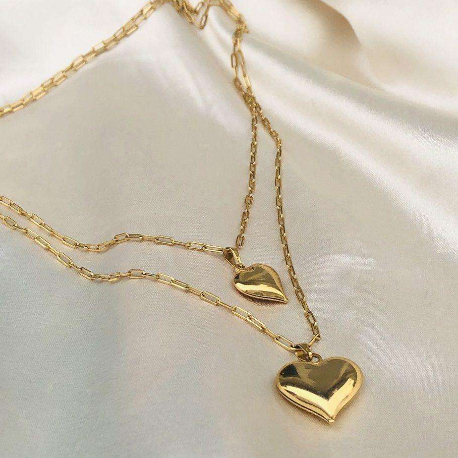 Colar Duplo em Corrente Cartier com 2 Pingentes de Coração Banhado em Ouro 18k