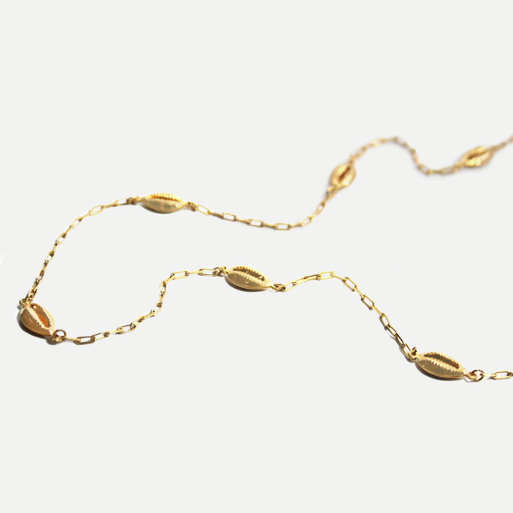 Colar Longo em Corrente Cartier com Buzios Banhado em Ouro 18k