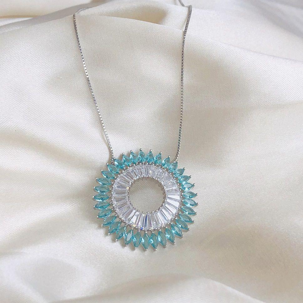 Colar Mandala Cravejada em Zircônias Turmalina e Cristal Banhado em Ródio Branco