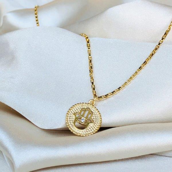Colar Medalha Mão de Fátima Banhado em Ouro 18k