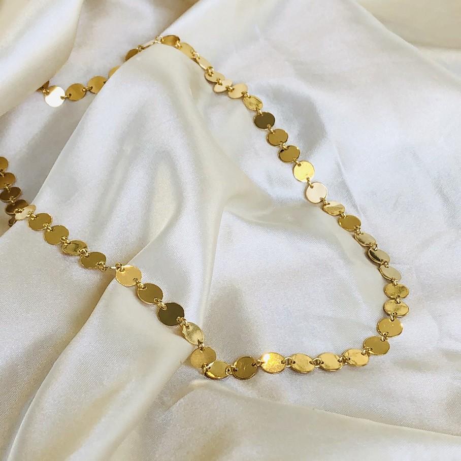 Colar Médio de Mini Medalhinhas Banhado em Ouro 18k