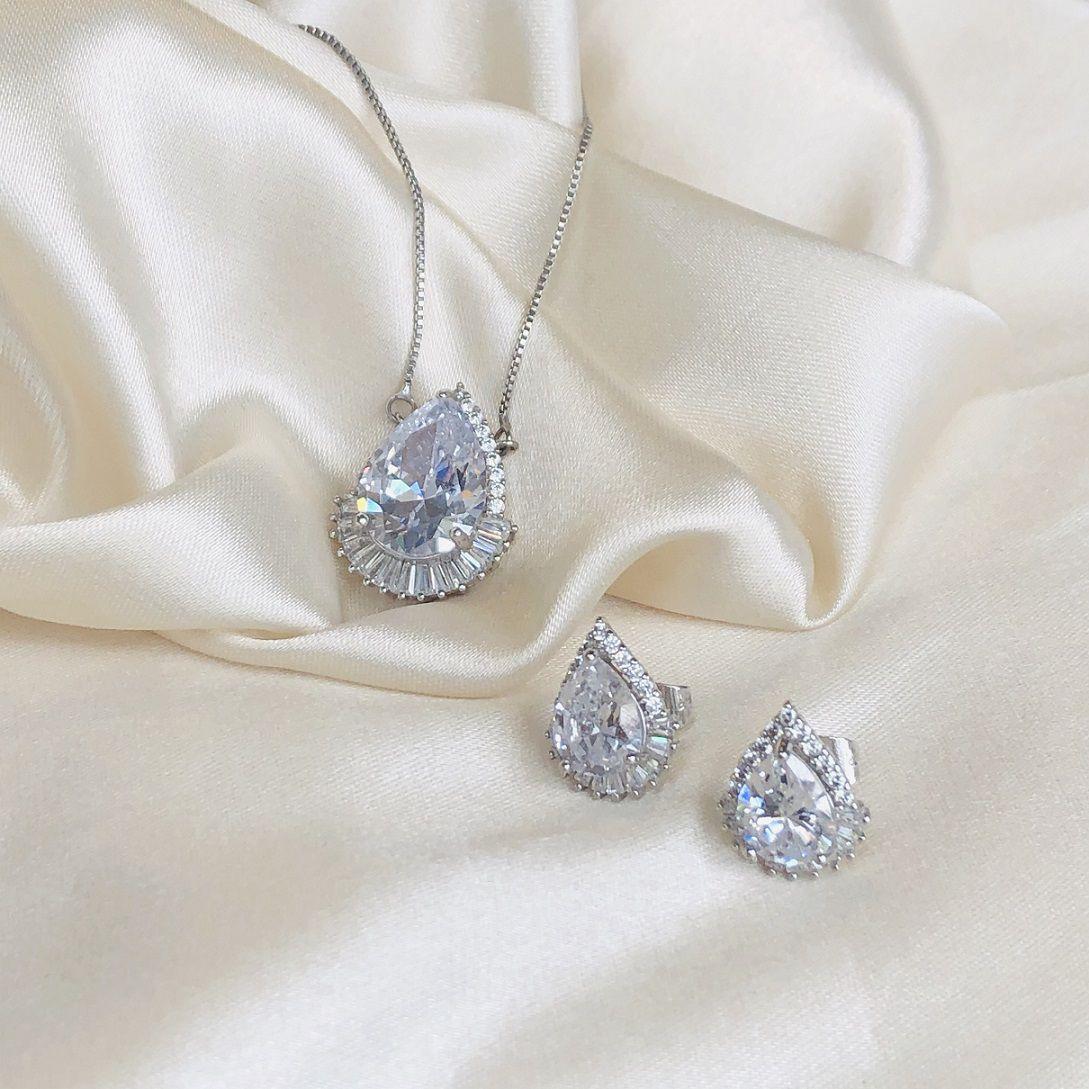 Conjunto Gota Cristal Cravejada Banhada em Ródio Branco