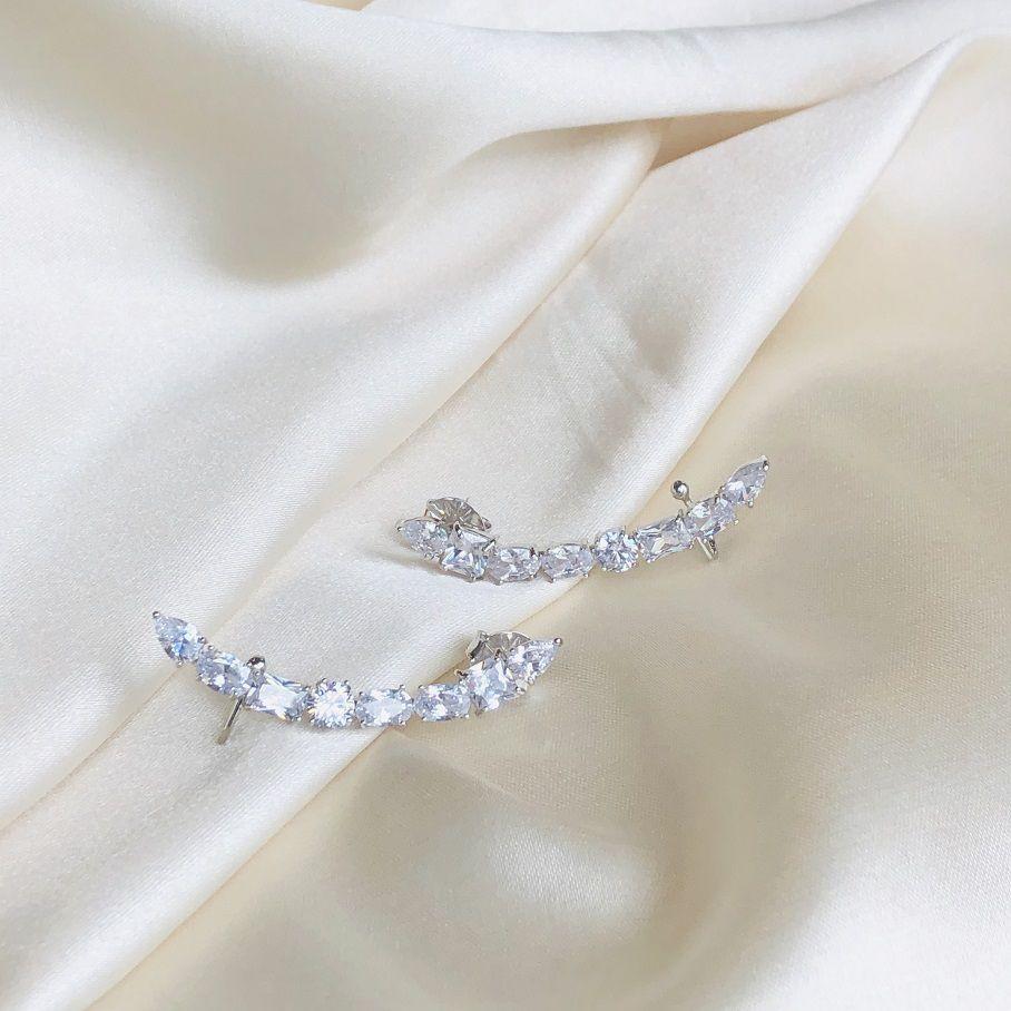 Earcuff Zircônias Ovais Cristal Banhada em Ródio Branco