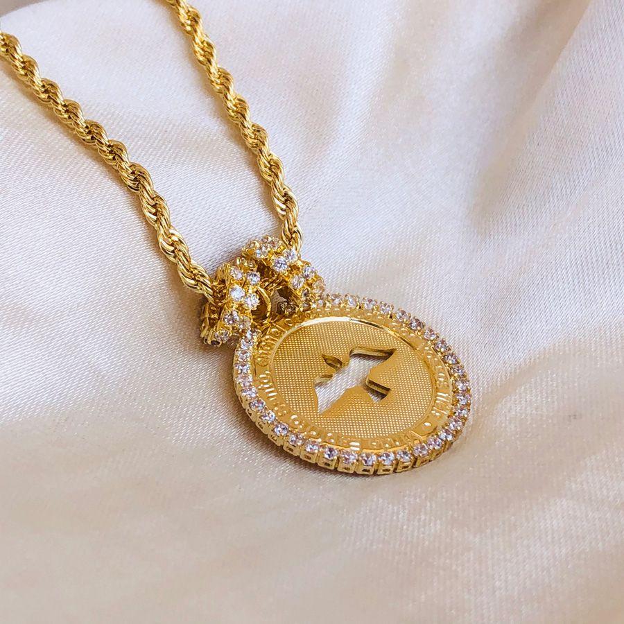 Pulseira com Medalha de Espírito Santo Cravejada Banhada em Ouro 18K