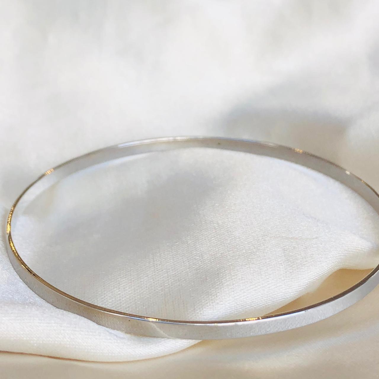 Pulseira Lisa Aro Banhada em Ródio Branco