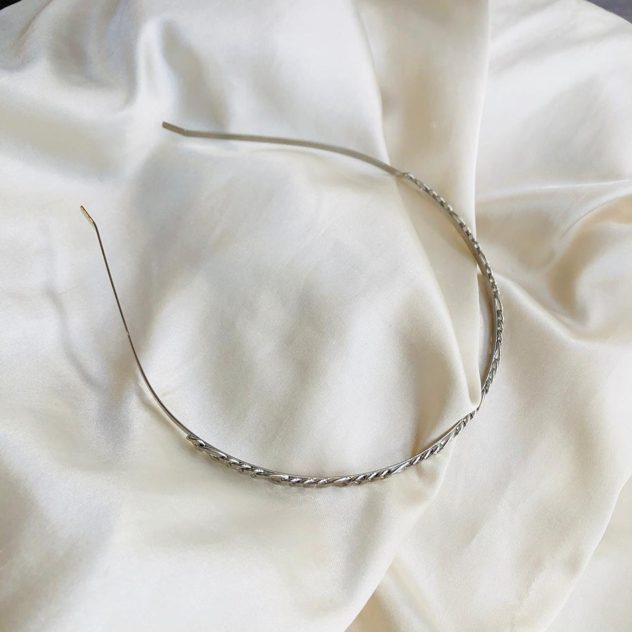 Tiara de Corrente Banhada em Ródio Branco