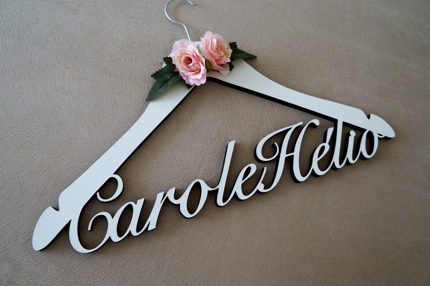 Cabide Carol e Hélio