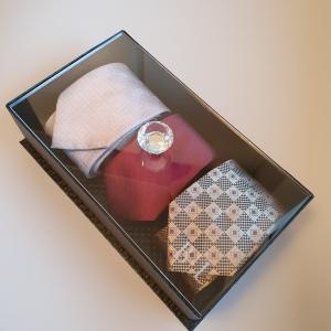 Caixa com Tampa de Acrílico Solteiros - Com Produtos
