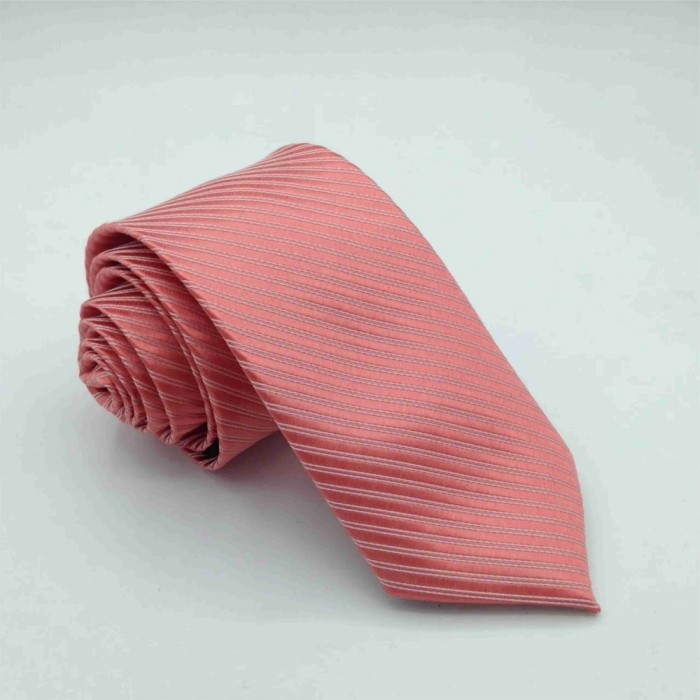 Gravata Trabalhada Tradicional Coral