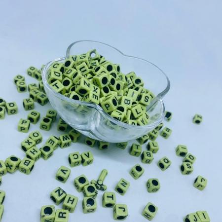 Cubo verde c/ Letras pretas 8mm - 25g