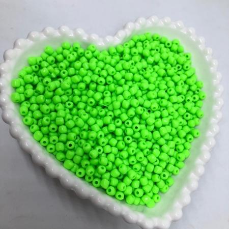 Miçanga de plástico verde neon 4.5 - 25g