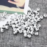 Miçangas brancas redondas alfabeto preto 8mm 25g