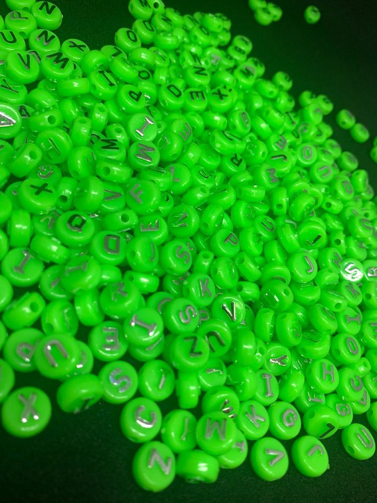 Alfabeto redondo verde com prata - 10g