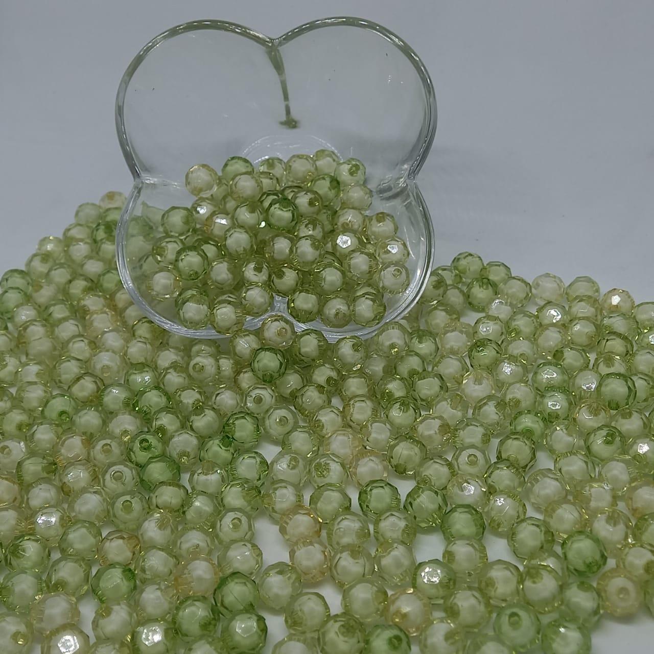 Bolinha de acrilico verde com miolo branco sextavado 10MM 25g