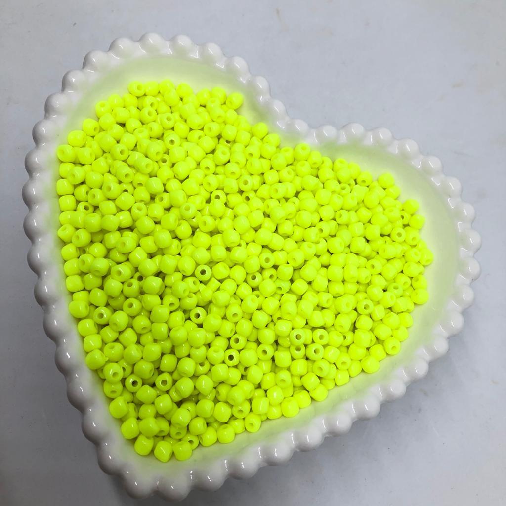 Miçanga de plástico amarelo neon 4.5 - 25g  - Palácio Dos Cristais