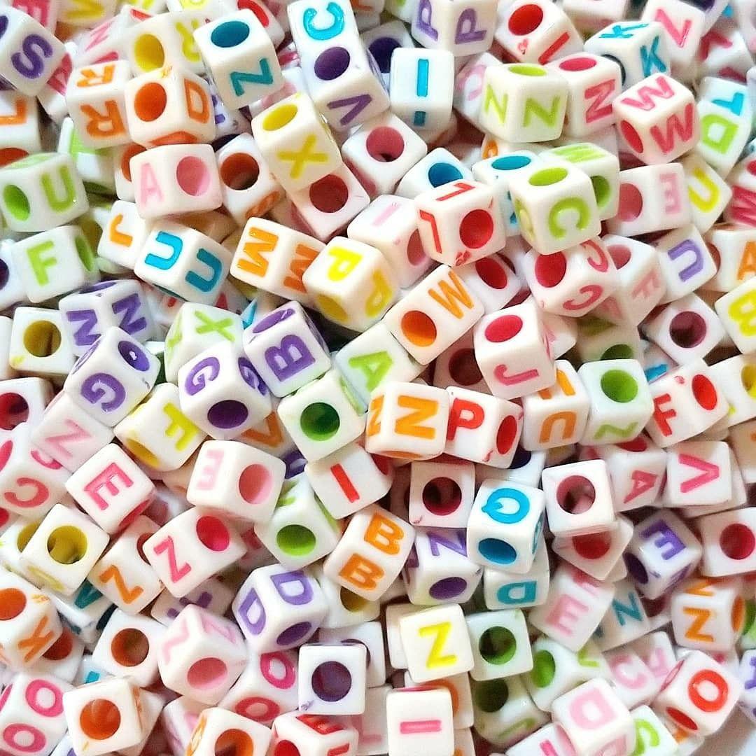 Cubo branco c/ letrinhas Coloridas - 25g