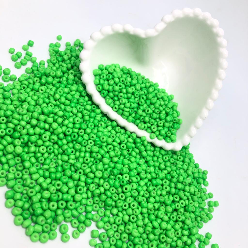 Miçangão verde neon 4.1mm (6/0) 25g  - Palácio Dos Cristais