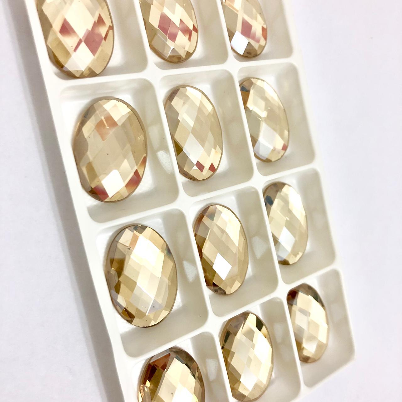 PEDRA OVAL CRISTAL GOLDEN SHADOW PARA COLAGEM SEM FURO (18X25mm)
