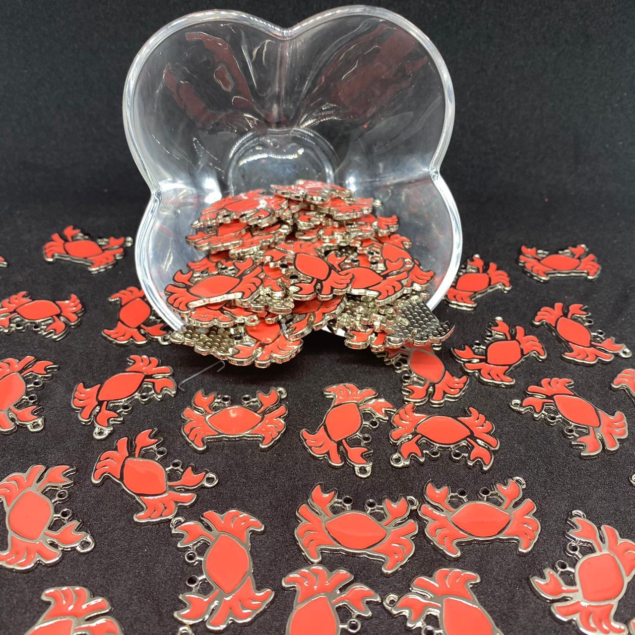 Pingente caranguejo prata c/ vermelho 28x21mm / unidade (5167)