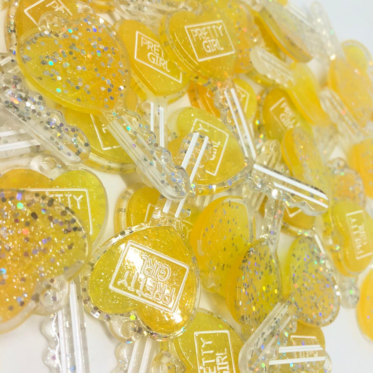Pingente chave de corção - Amarelo com glitter  - Palácio Dos Cristais
