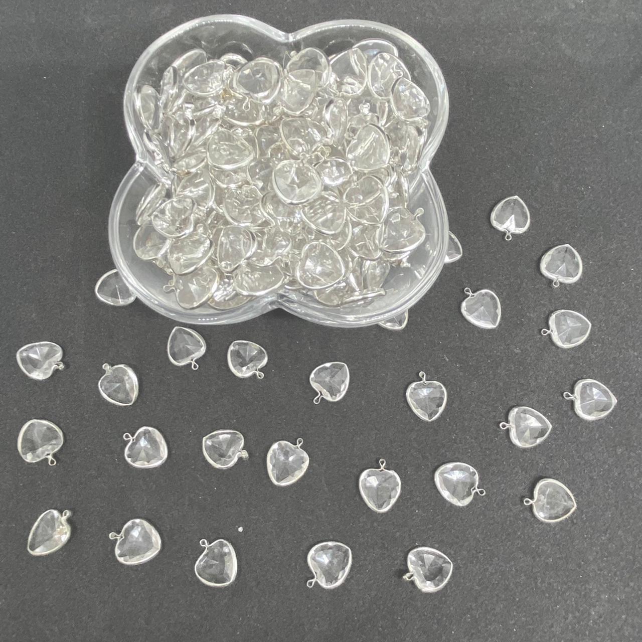 Pingente de  coração acrilico transparente 25g 14mm 5017