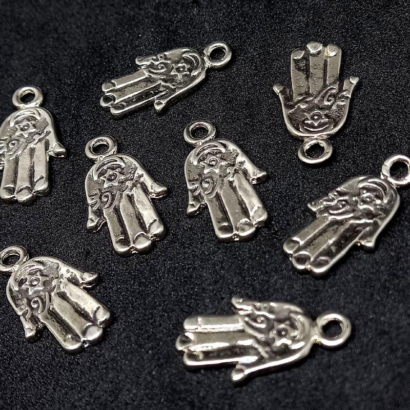 Pingente mão hamsá prata   22x12mm /unidade