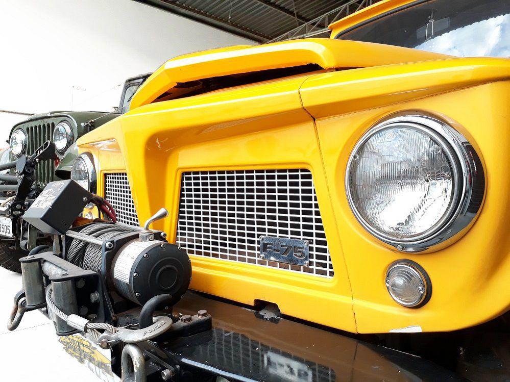 Kit Farol, Aro Interno E Aro Externo Jeep Willys/ F-75/ Rural