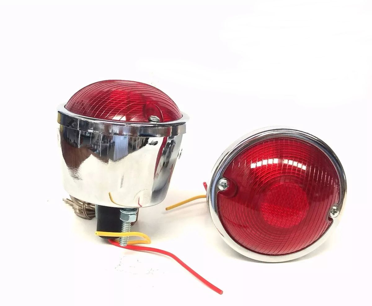 Lanterna Traseira Cromada Com Vigia, Para Jeep Willys/ Reboque/ Carretinha