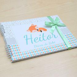 Álbum e diário do bebê para registrar momentos especiais personalizado no tema raposinha