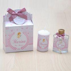 Lembrancinha caixinha com vela e água benta com mini terço tema anjinha e floral
