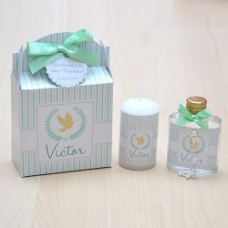 Lembrancinha caixinha com vela e água benta com mini terço tema anjinho