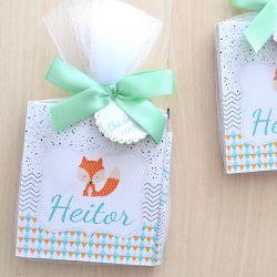 Lembrancinha de bebê raposinha caderneta de anotações com lapis personalizado
