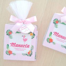 Lembrancinhas personalizadas caderno de anotações com lápis tema flamingos e tropical