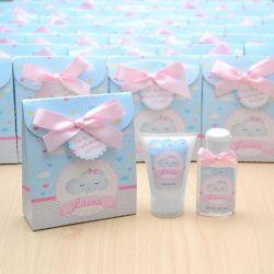 Lembrancinha de nascimento kit com hidratante e álcool em gel tema chuva de amor azul e rosa