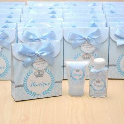 Lembrancinha de nascimento kit com hidratante e álcool em gel tema coroa cinza e azul