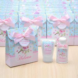 Lembrancinha de nascimento kit com hidratante e álcool em gel tema floral e passarinhos