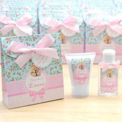 Lembrancinha de nascimento kit com hidratante e álcool em gel tema floral e ursinha